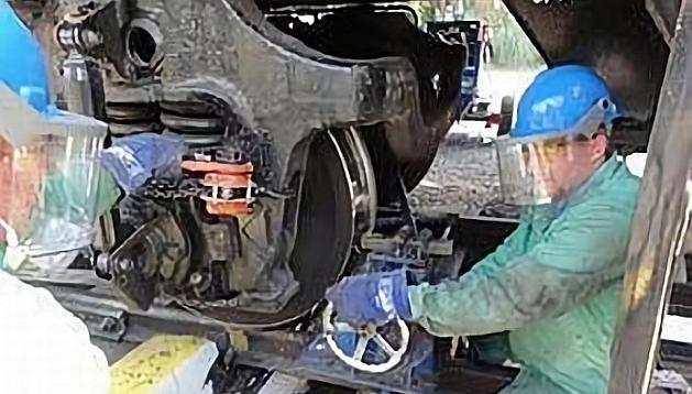 Универсальный портативный колесотокарный станок 1AK200 COMPACT для обточки колесных пар без выкатки